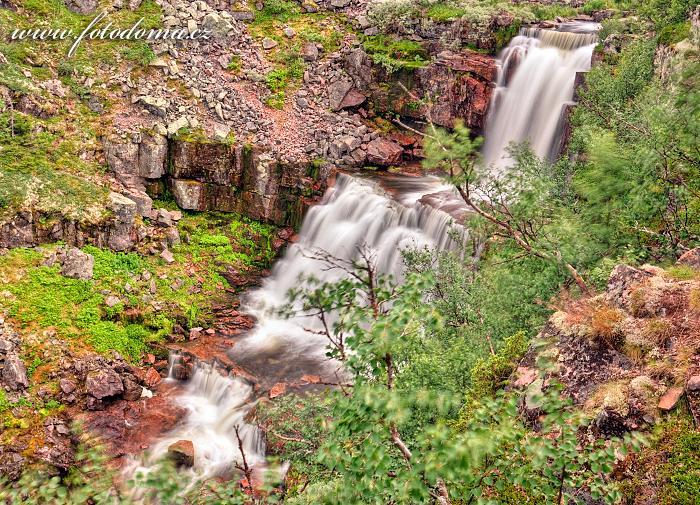 Potok těsně nad vodopádem Njupeskär v národním parku Fulufjället