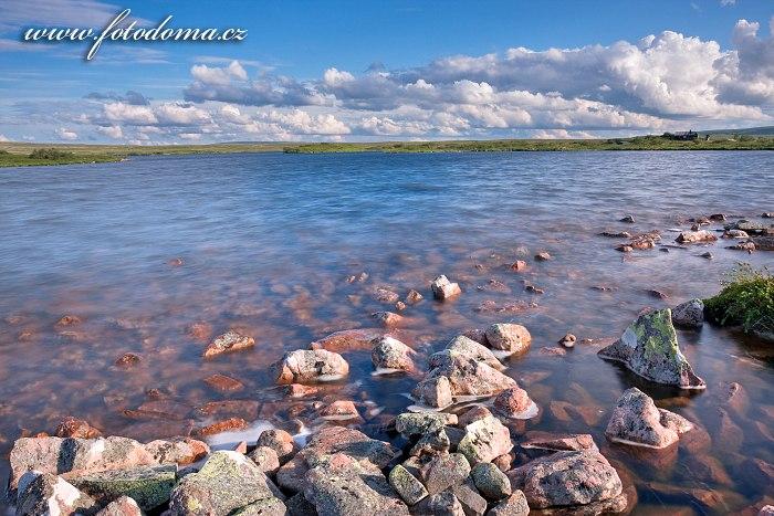 Jezero Litle Rörsjön v národním parku Fulufjället