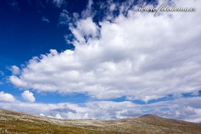 Údolí potoka Namnlauselva. Národní park Saltfjellet-Svartisen, kraj Nordland, Norsko
