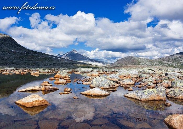 Hora Ørfjellet. Národní park Saltfjellet-Svartisen, kraj Nordland, Norsko
