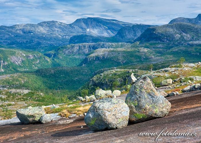 Krajina posetá bludnými balvany, národní park Rago, kraj Nordland, Norsko