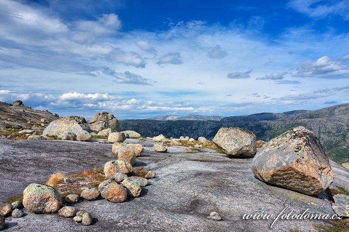 Krajina s bludnými balvany, národní park Rago, kraj Nordland, Norsko