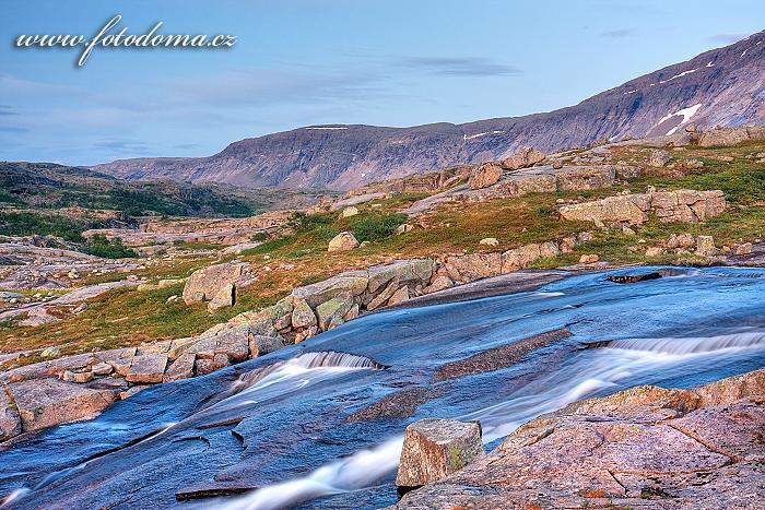 Horský potok, národní park Rago, kraj Nordland, Norsko