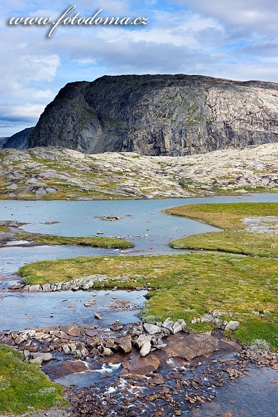 Krajina poblíž Bajep Tjuorvvomoajvve, národní park Rago, Norsko