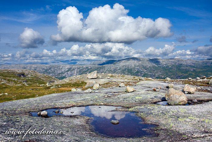 Krajina s jezírkem, národní park Rago, kraj Nordland, Norsko