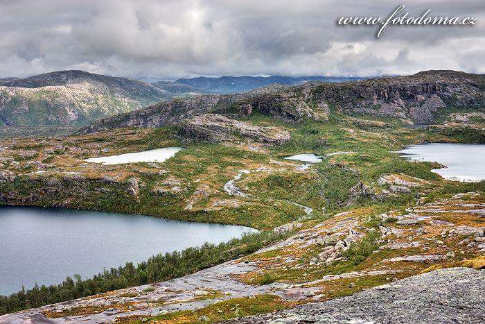Jezera Sølvskarvatnan, národní park Rago, kraj Nordland, Norsko