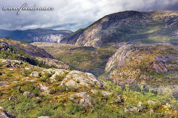Údolí Storskogdalen, národní park Rago, kraj Nordland, Norsko
