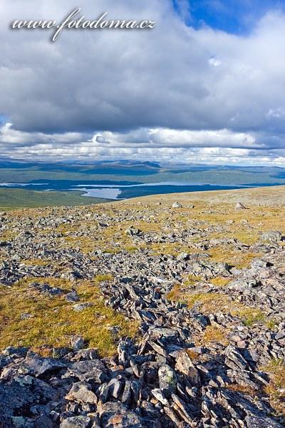 Krajina kolem jezera Sädvajaure, Národní park Pieljekaise, Švédsko