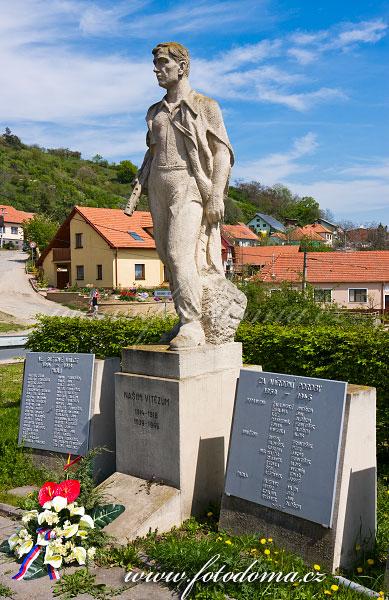Pomník obětem světových válek, Viničné Šumice