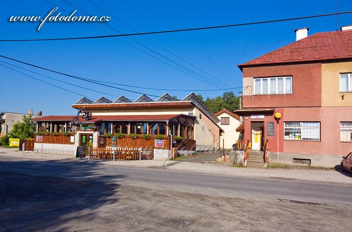 Motorest a obchod, Lučina