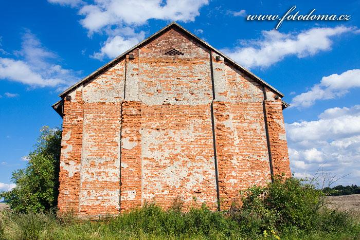 Štít stodoly, Kokořín