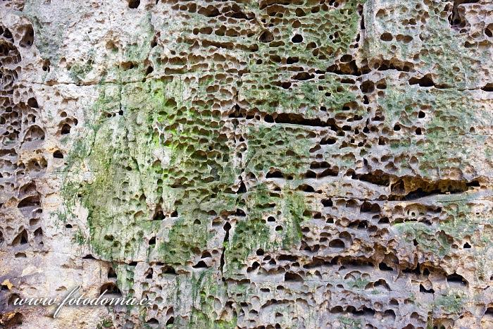 Skalní struktura v Kokořínském dole