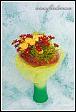 Kytice s růžemi ve váze