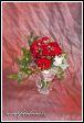 Svatební kytice z rudých růží pro družičku