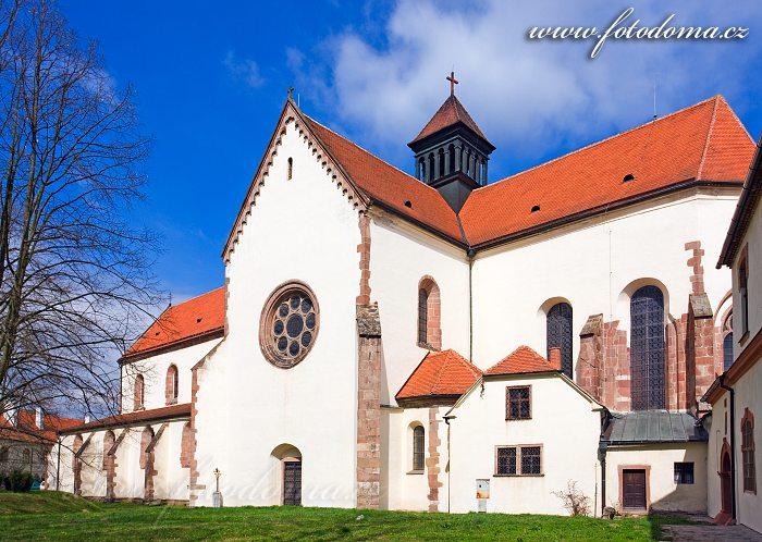 Kostel Nanebevzetí Panny Marie cisterciáckého kláštera Porta Coeli v Předklášteří