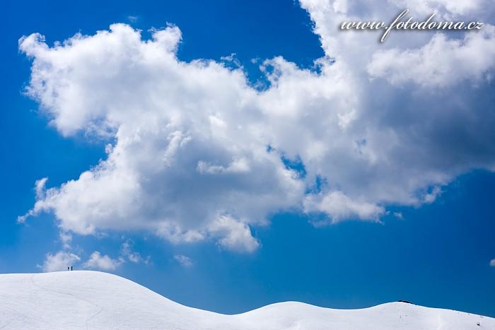 Vlnící se Creste de Zonia nad Passo Giau, Dolomity