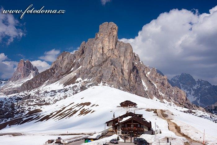 Passo Giau a Monte Averau, Dolomity