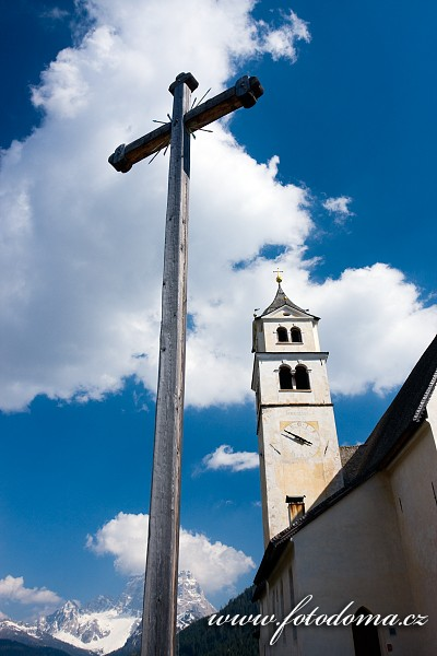 Kostel v Colle Santa Lucia, Itálie