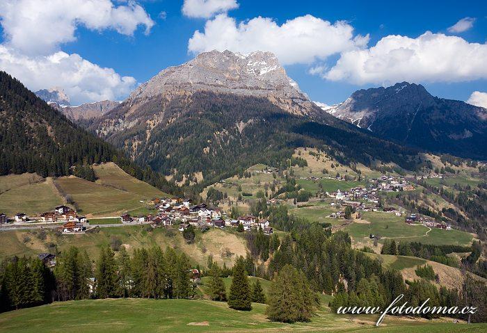 Selva Di Cadore z Colle Santa Lucia, Dolomity, Itálie