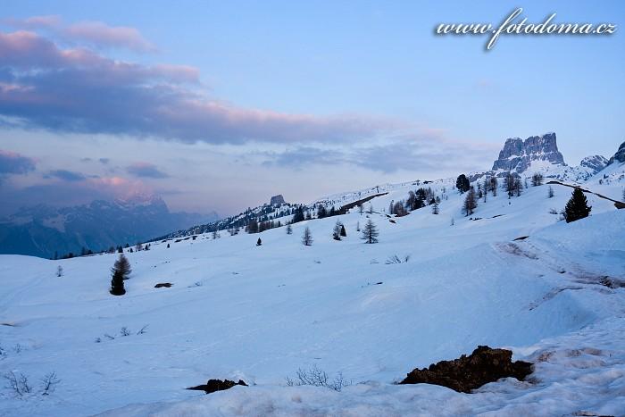 Sorapis, Cinque Torri a Averau z Passo di Falzarego, Dolomity