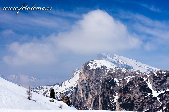 Krajina u Passo di Valparola, Dolomity