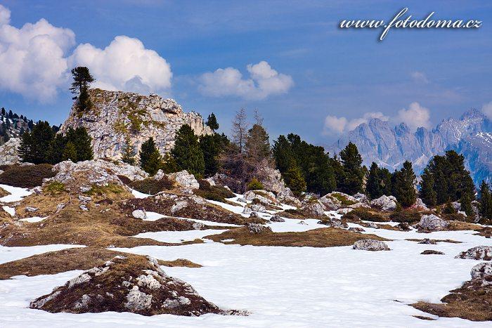 Krajina v Passo di Sella (Sellajoch), Dolomity