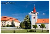 Zámek a kostel svatého Lukáše Myslibořice