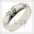 Snubní prsten z bílého zlata s rytinami na hladké a lesklé oblé ploše
