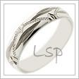 Snubní prsten z bílého zlata zdobený hlubokými výbrusy v kombinaci s rytinami plytšími