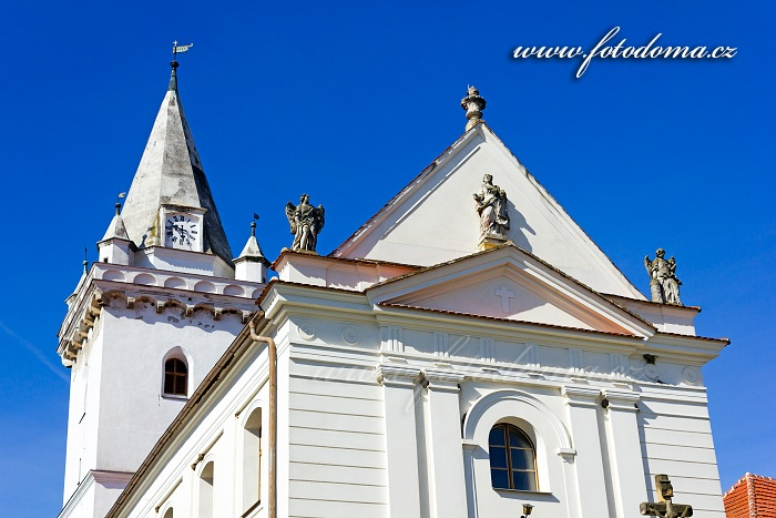 Kostel sv. Barbory, Pavlov, CHKO Pálava, okres Břeclav, Jihomoravský kraj, Česká republika