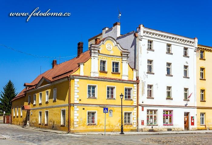 Městský dům s pamětní deskou Dr. Lorenze na Mírovém náměstí č.p. 66, chráněná památka, Vidnava, okres Jeseník, Olomoucký kraj, Česká republika