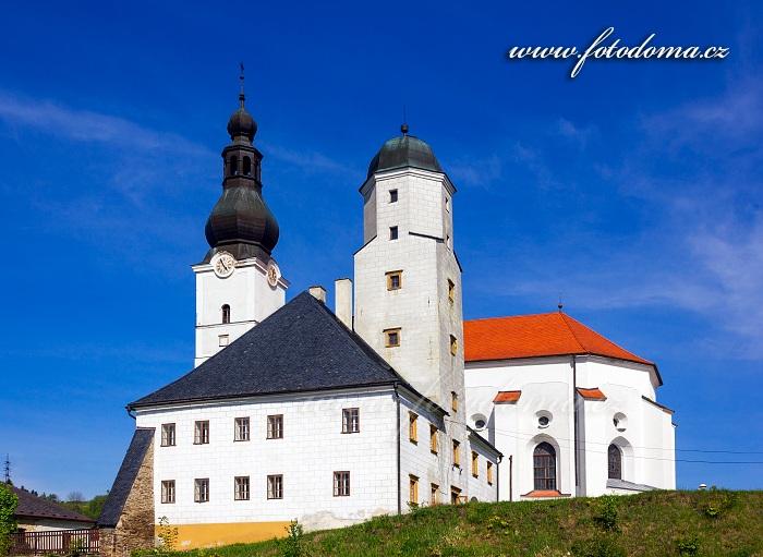 Fojtství a kostel Archanděla Michaela, Branná, okres Šumperk, Olomoucký kraj, Česká republika