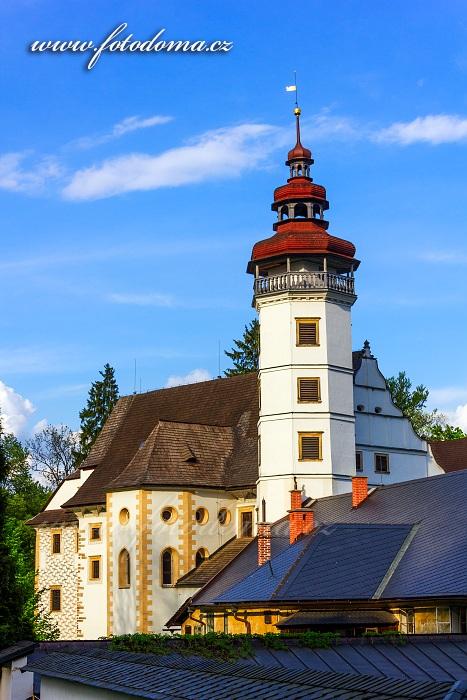 Věž zámku se zámeckou kaplí, Velké Losiny, okres Šumperk, Olomoucký kraj, Česká republika