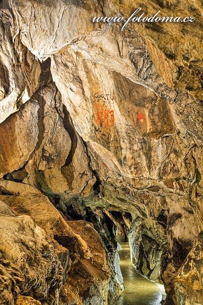 Jeskynní chodby