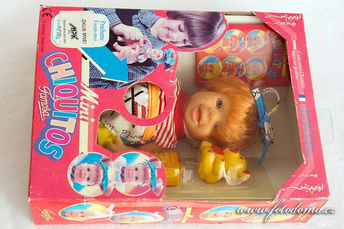 Mrkající panenka Chiquitos